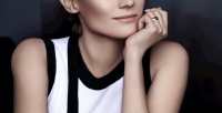 https://dviyeq873v9uq.cloudfront.net/wp-content/uploads/2015/11/25103522/Diane-Kruger-Chanel-Le-Lift-Anti-Aging-Products.jpg