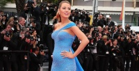 https://dviyeq873v9uq.cloudfront.net/wp-content/uploads/2017/04/04145614/Featured-Blake-Lively-Cannes-blue-gown-pregnant.jpg