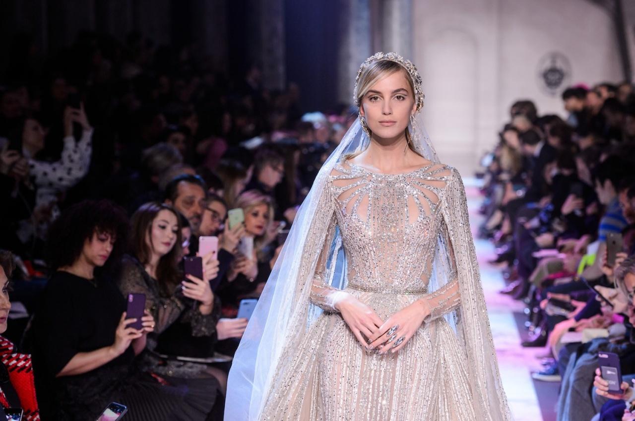 e9fa2ec68 شاهدي صور فساتين زفاف اوت كوتور من عروض أسبوع باريس ربيع ٢٠١٨ ...