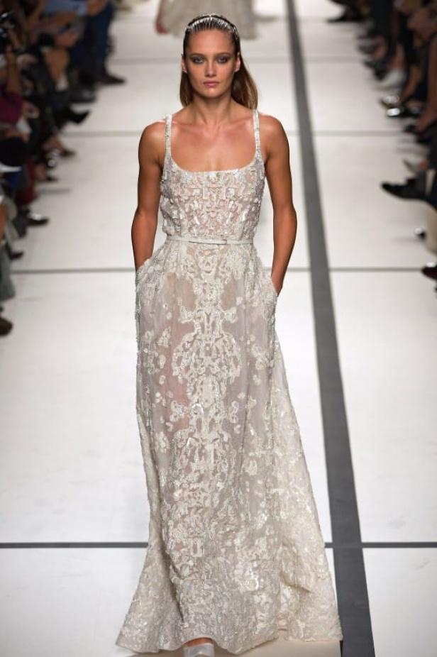 5a23f590f أجمل فساتين زفاف ناعمة من تصميم إيلي صعب
