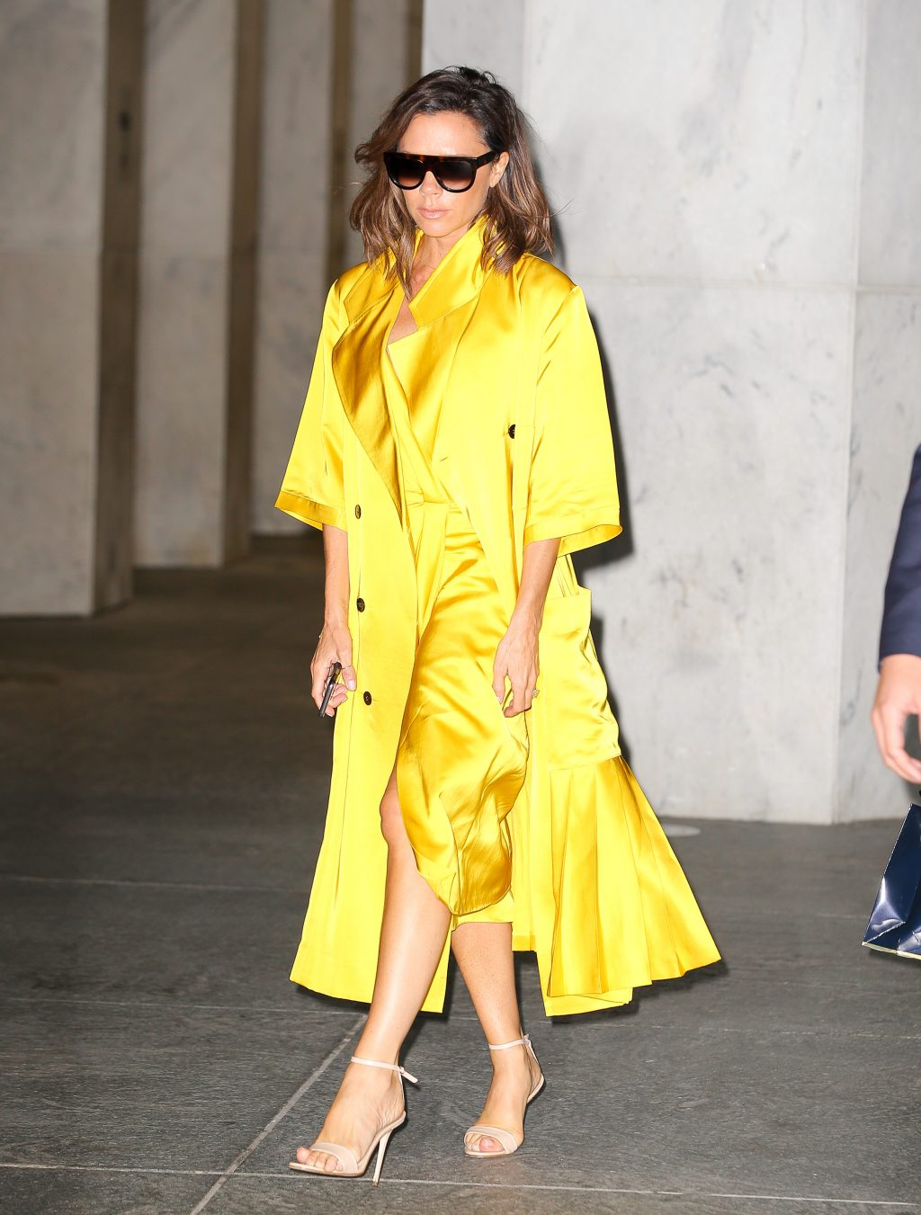 Victoria Beckham seen leaving an office building in New York City - Styly