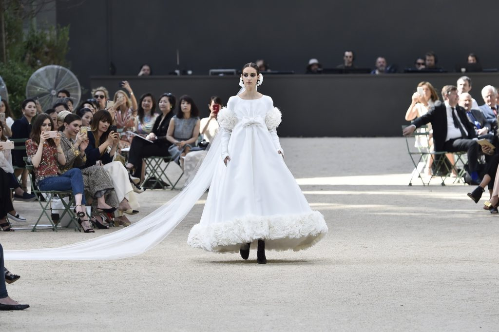 Chanel Couture Fall 2017/2018 Runway