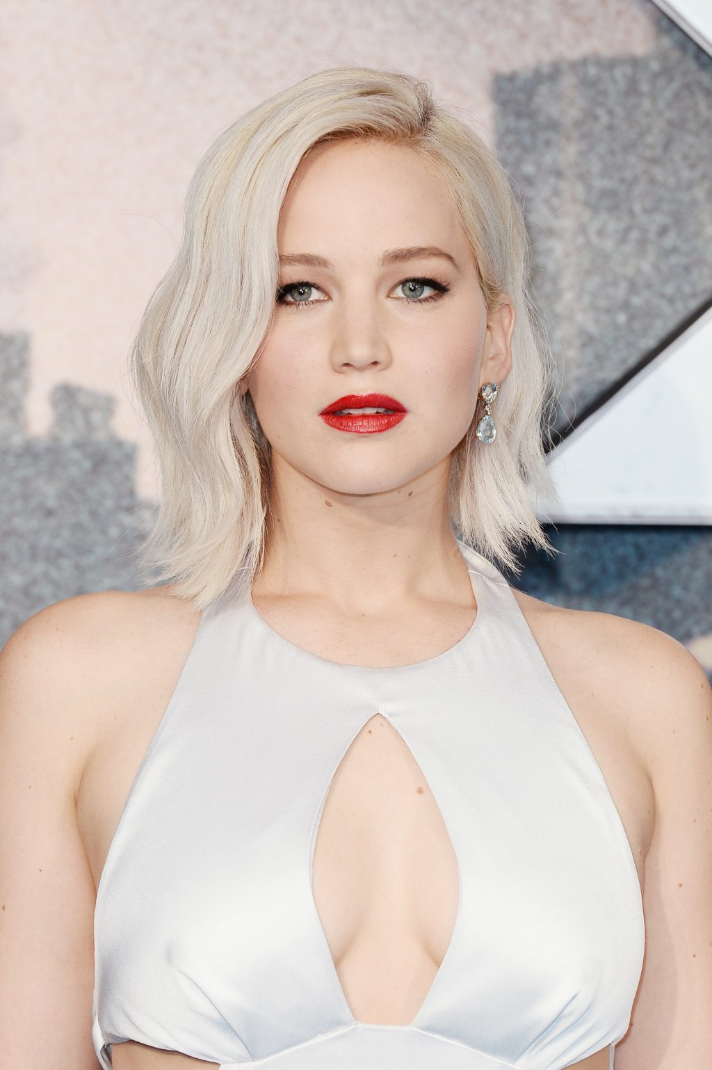 Jennifer-Lawrence-Beauty-Hair-Evolution-May-2016