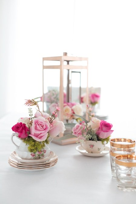 teacup-pink-flower-arrangement