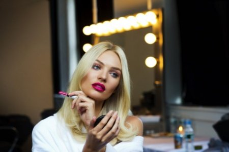 Candice-Swanepoel-Interivew-Diet-Workout-Beauty-Secrets