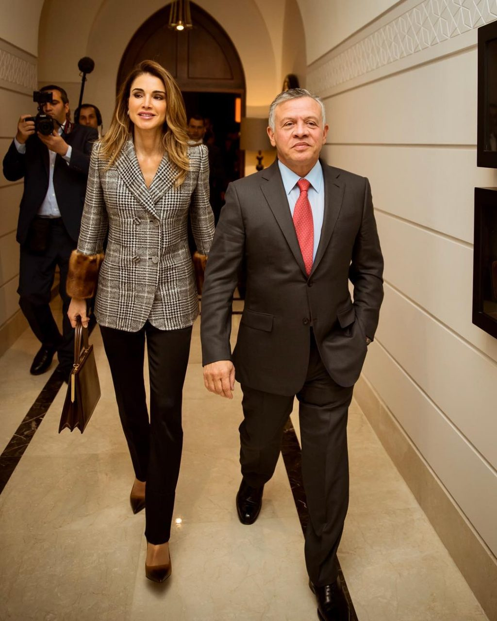 queen rania clasp bag celine